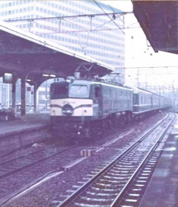 Ef58_750306