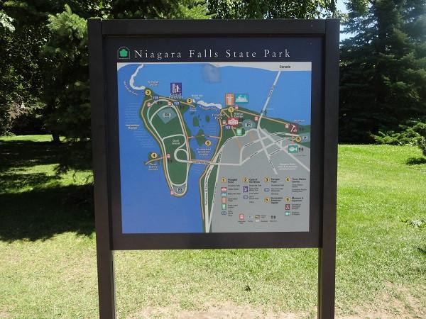 Niagara_falls_state_park_140724_ny