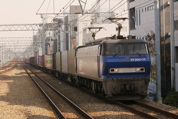Ef20017_081212