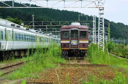 12_050816 駅横に留置されていました。 「くつろぎ」客車は12系客車から1983年に幡生