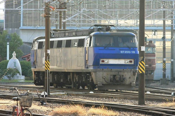 Ef20018_101205
