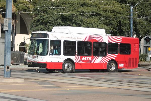 992_bus_150113_santa_fe_depot