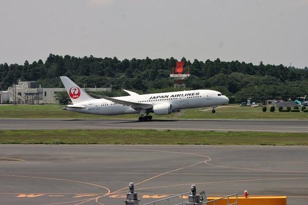 Ja821j_boeing_7878_dreamliner_cn_34